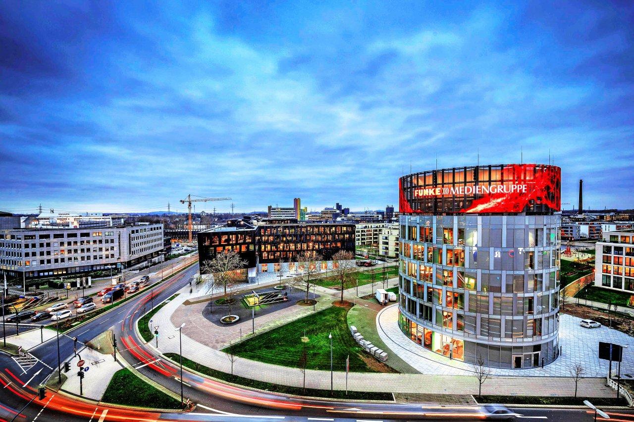 Die Werbeanlagen am Neubau der FUNKE Mediengruppe am Jakob-Funke-Platz in Essen am Mittwoch, den 16.01.2019.Foto: Fabian Strauch / FUNKE Foto Services GmbH